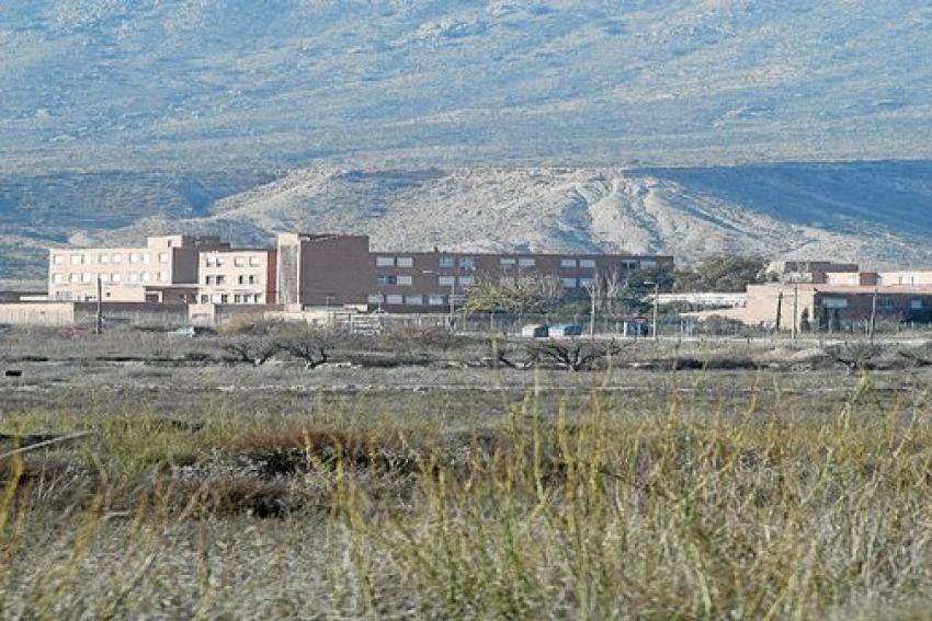 Dos presos con problemas mentales agreden a dos funcionarios en menos de una semana