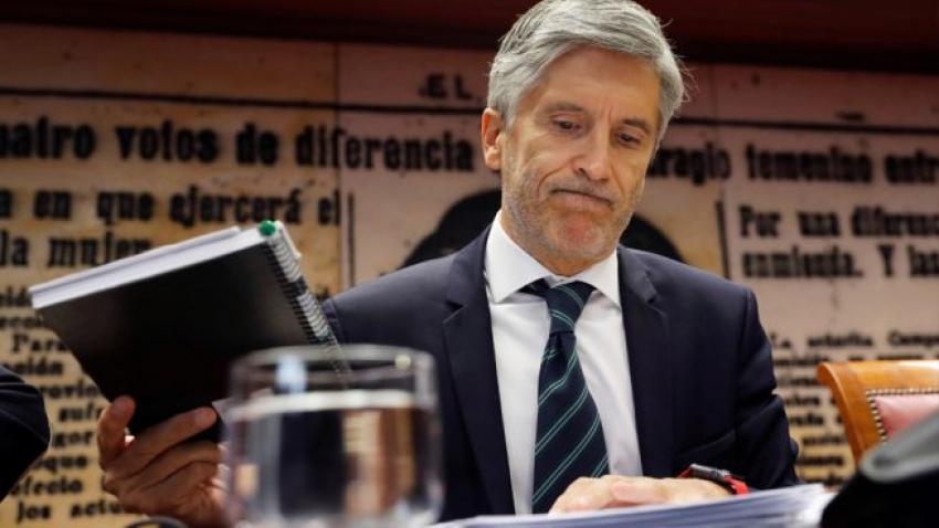 Marlaska nombra una nueva jefa de prensa en Prisiones para silenciar a los funcionarios
