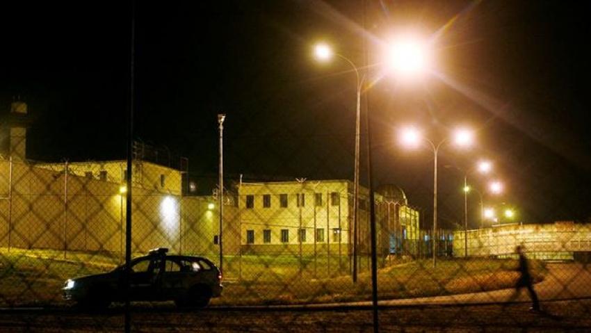 """Funcionarios de prisiones piden que la UME entre a desinfectar y limpiar la """"enorme"""" cárcel de Picassent"""