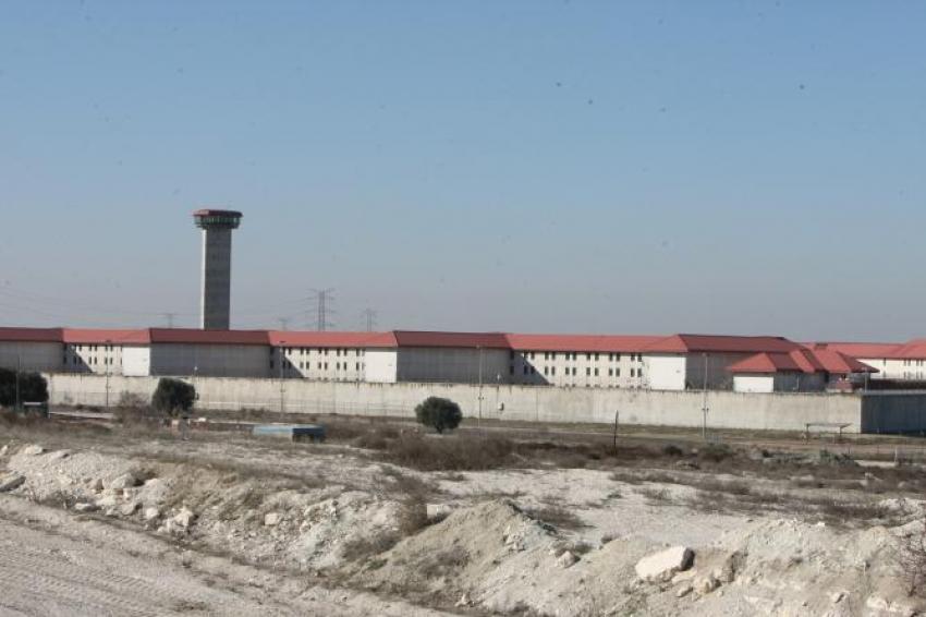Funcionarios de prisiones denuncian que se cuelan drones en las cárceles con droga sin que el sistema lo impida