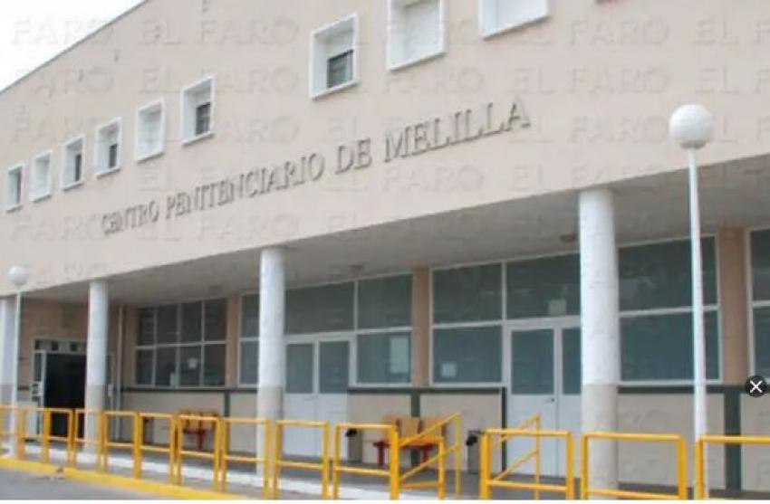 """Intenta estrangular a un funcionario en la cárcel de Melilla al grito de """"Alá es grande"""