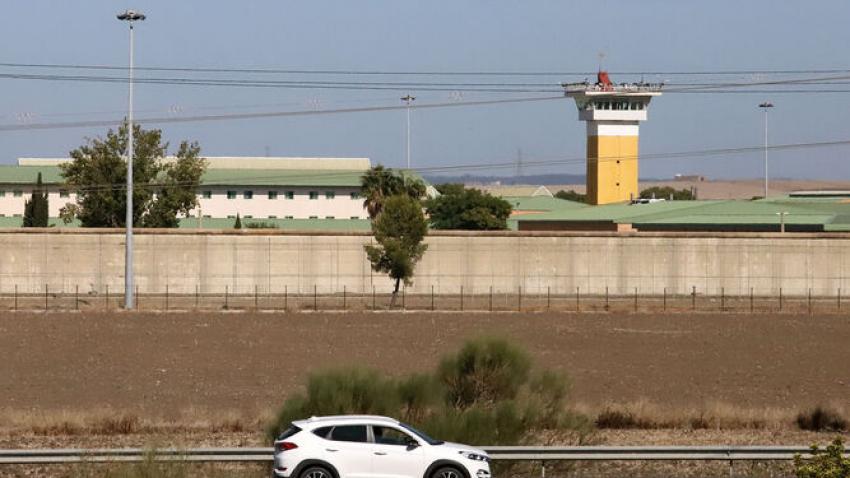 Un interno asesta un puñetazo a un funcionario en la prisión de Huelva