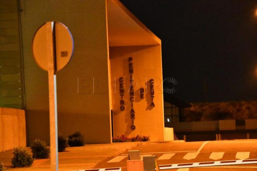 El preso al que quisieron 'linchar' otros internos provoca un incendio en su celda