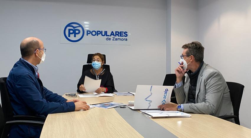 Reunión con la senadora Mayte Martin del PP en Salamanca
